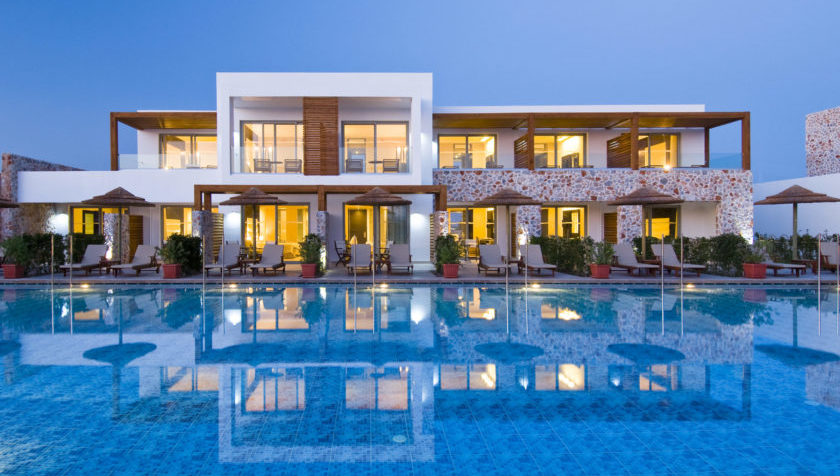 Tui Blue Palazzo del Mare Hotel am Pool Abends